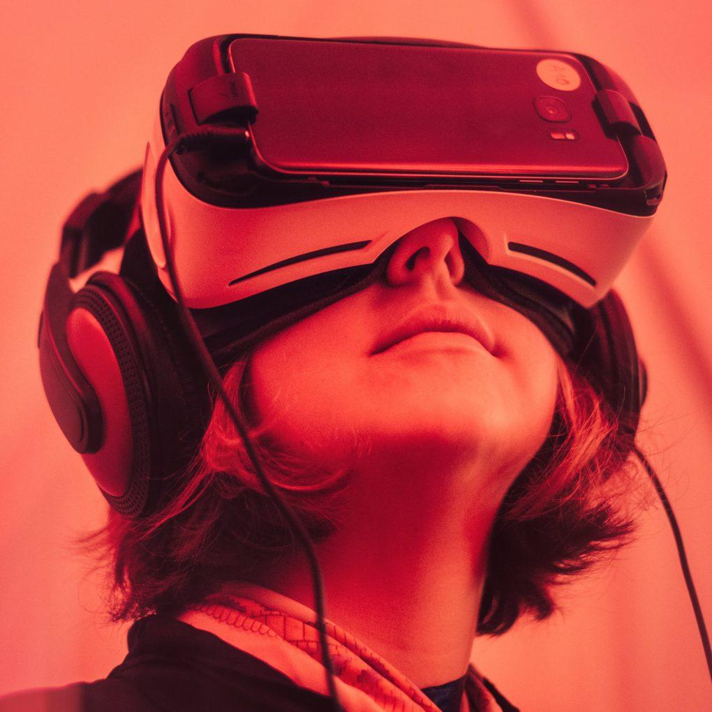 Alternate Reality Virtual Reality Technology